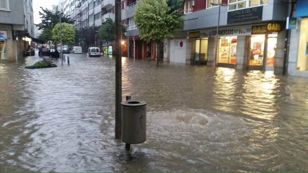 Las lluvias causan numerosas inundaciones en Santiago