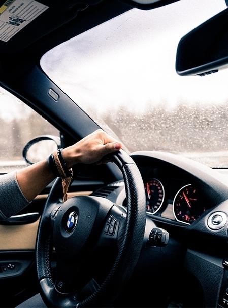 El número de vehículos asegurados crece un 2,42% a cierre de marzo.